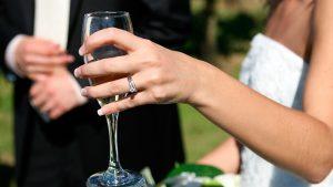 Nossa loja é especializada na venda de vestidos de festa no atacado para madrinhas, debutantes e mães da noiva